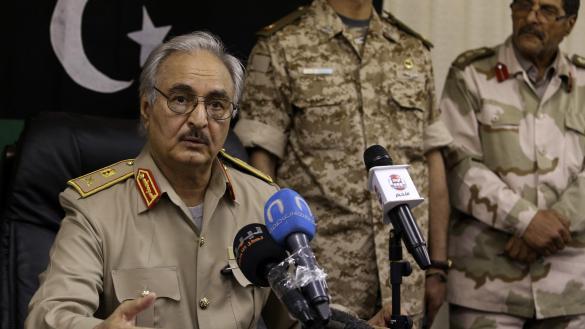 Photo of حفتر يأمر قادة الجيش ببدء العمليات الجوية