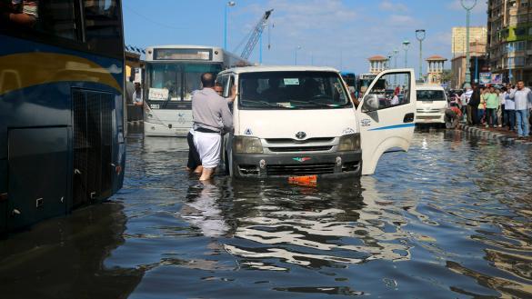 Photo of الأمطار تقتل 11 مصريا بالشمال