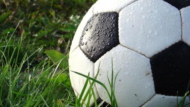 صورة كرة القدم.. وقاية وعلاج شامل