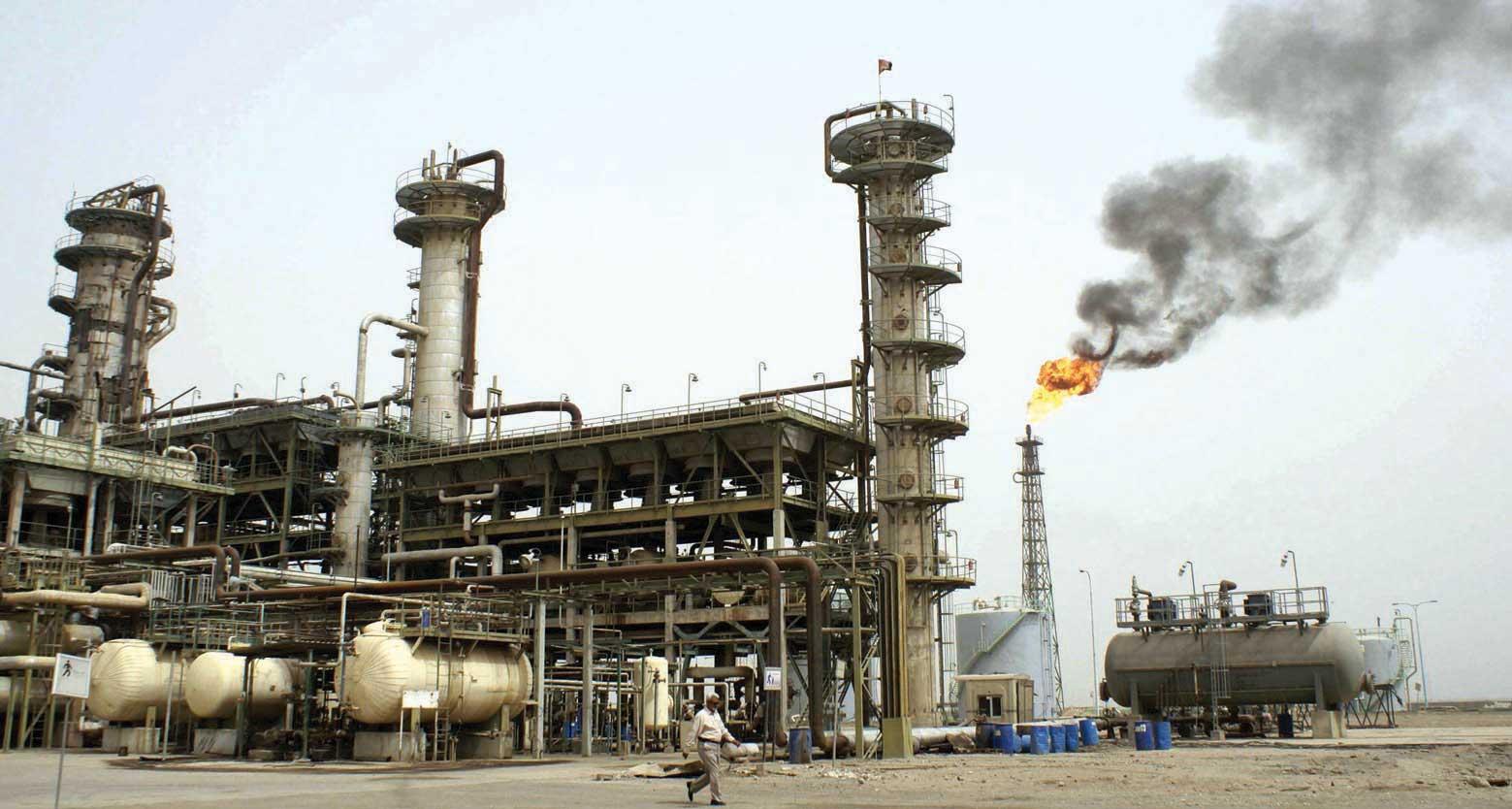 Photo of توقعات بتراجع الصناعات النفطية العالمية بـ 80 مليار دولار