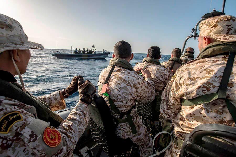"""Photo of مقتل 4 من """"مُهرّبي البشر"""" برصاص خفر السواحل الليبي"""