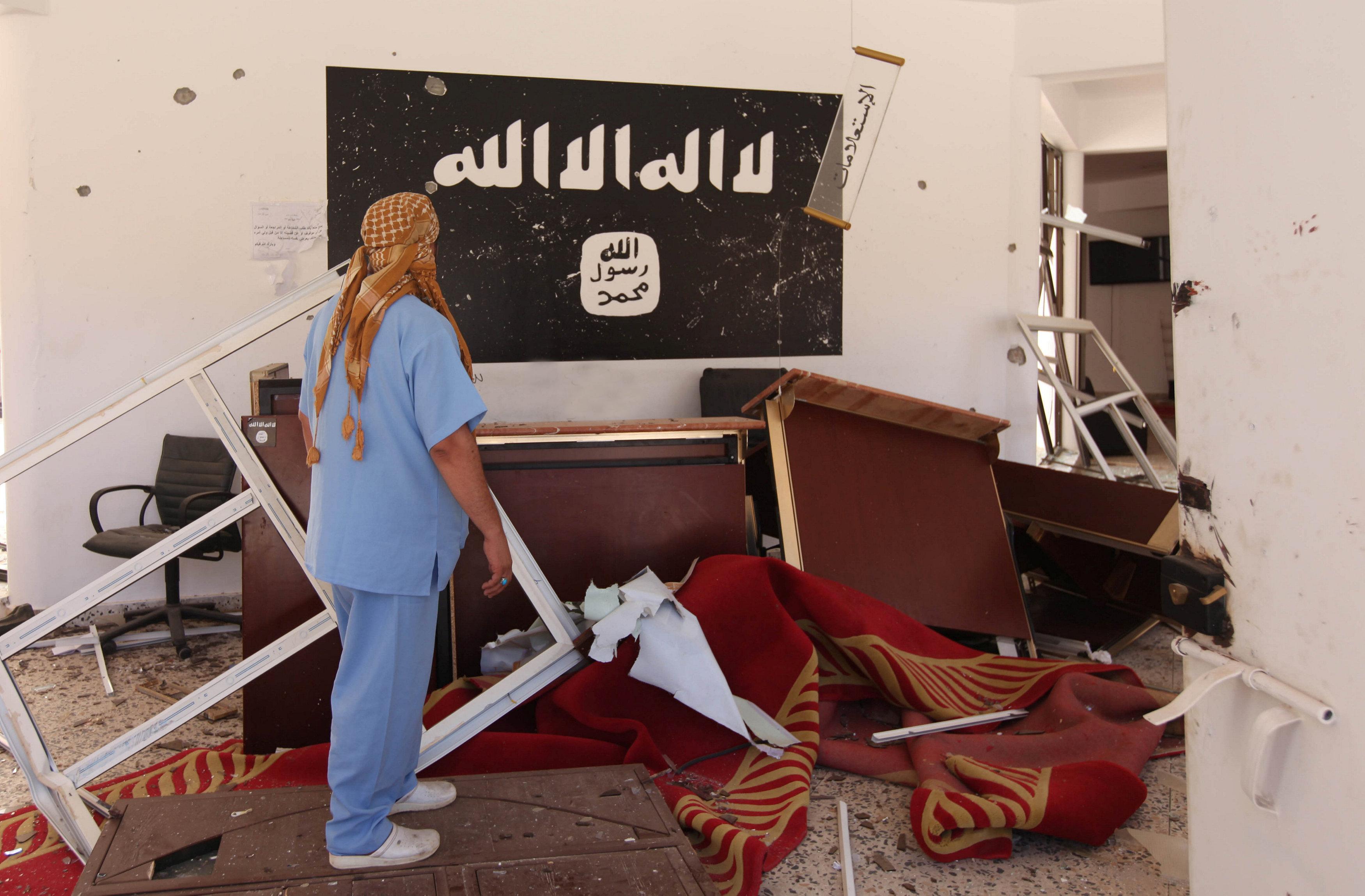 هزيمة داعش سرت