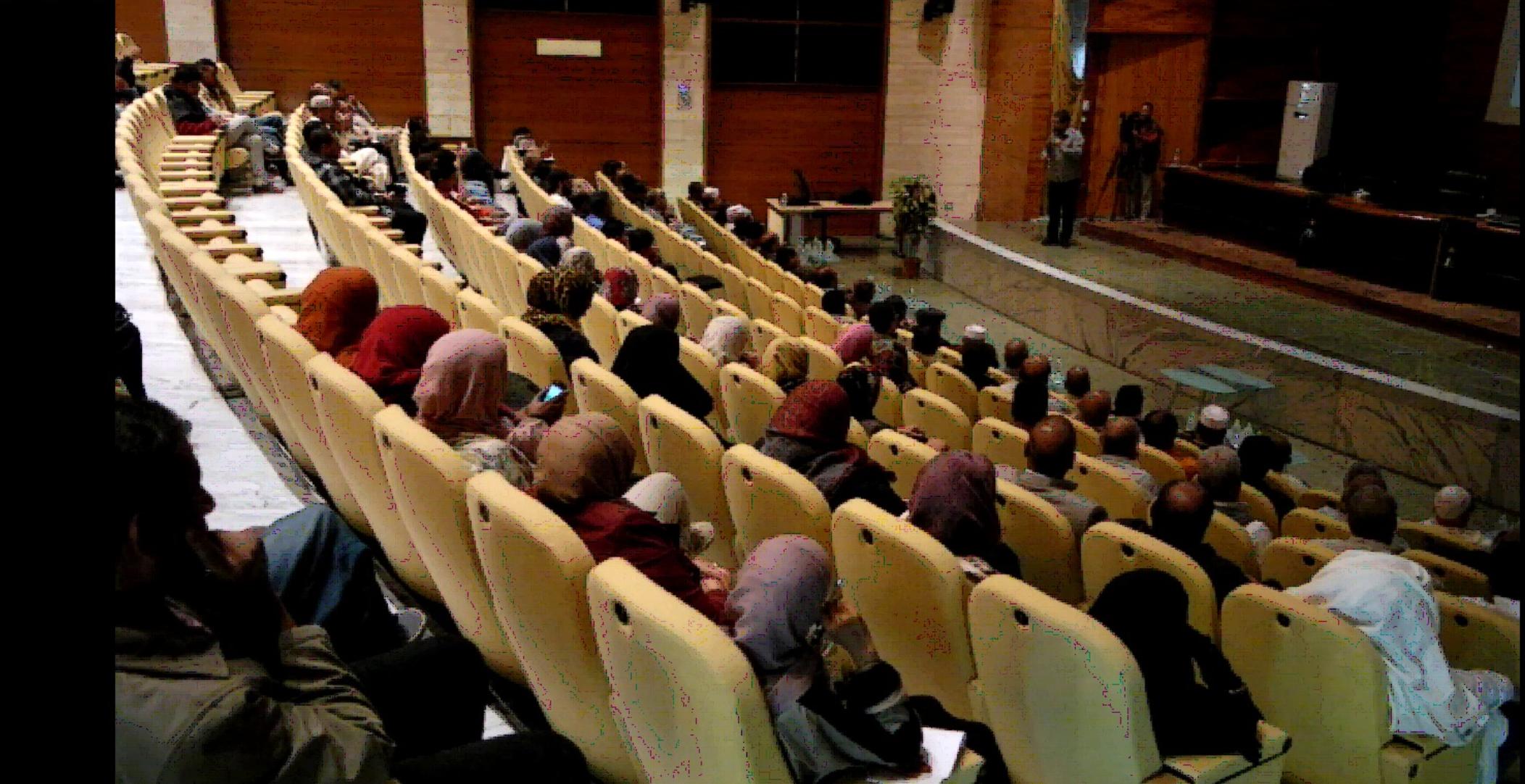 """صورة """"سلسلة محاضرات"""" عن تنمية الموارد المحلية في هون"""