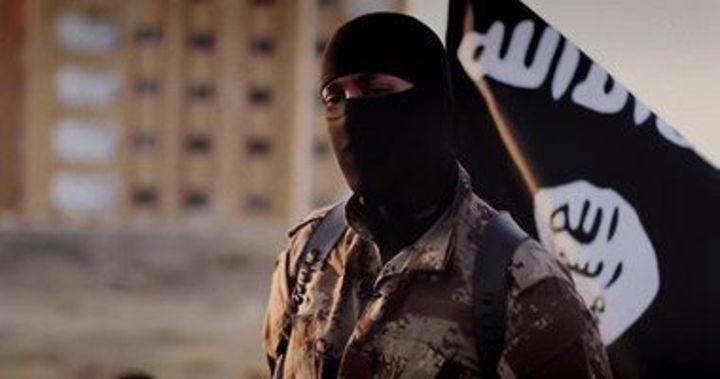 "Photo of عملية ذبح وحرق بـ""عبارات داعشية"" لعائلة في ""الخمس"""