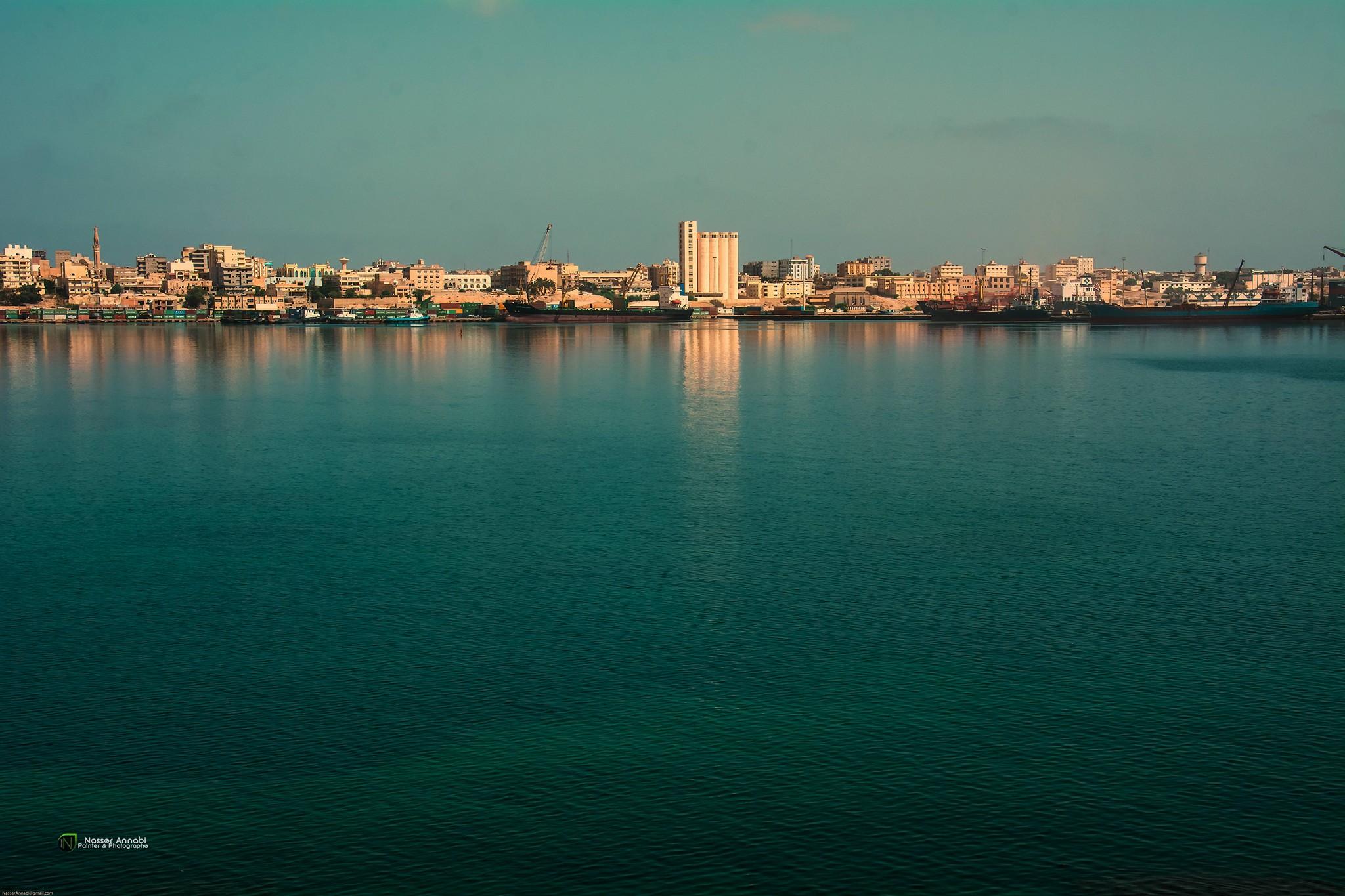 "Photo of قوانين أمنية لوقف ""التجاوزات"" في ميناء طبرق"