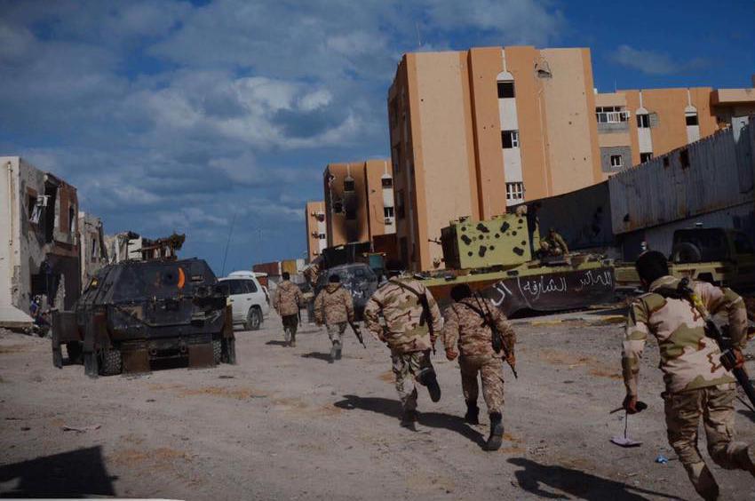 "Photo of ""عمليات سرت"" تُحبط هروب دواعش عبر البحر.. وتُنْقذ مدنيين"