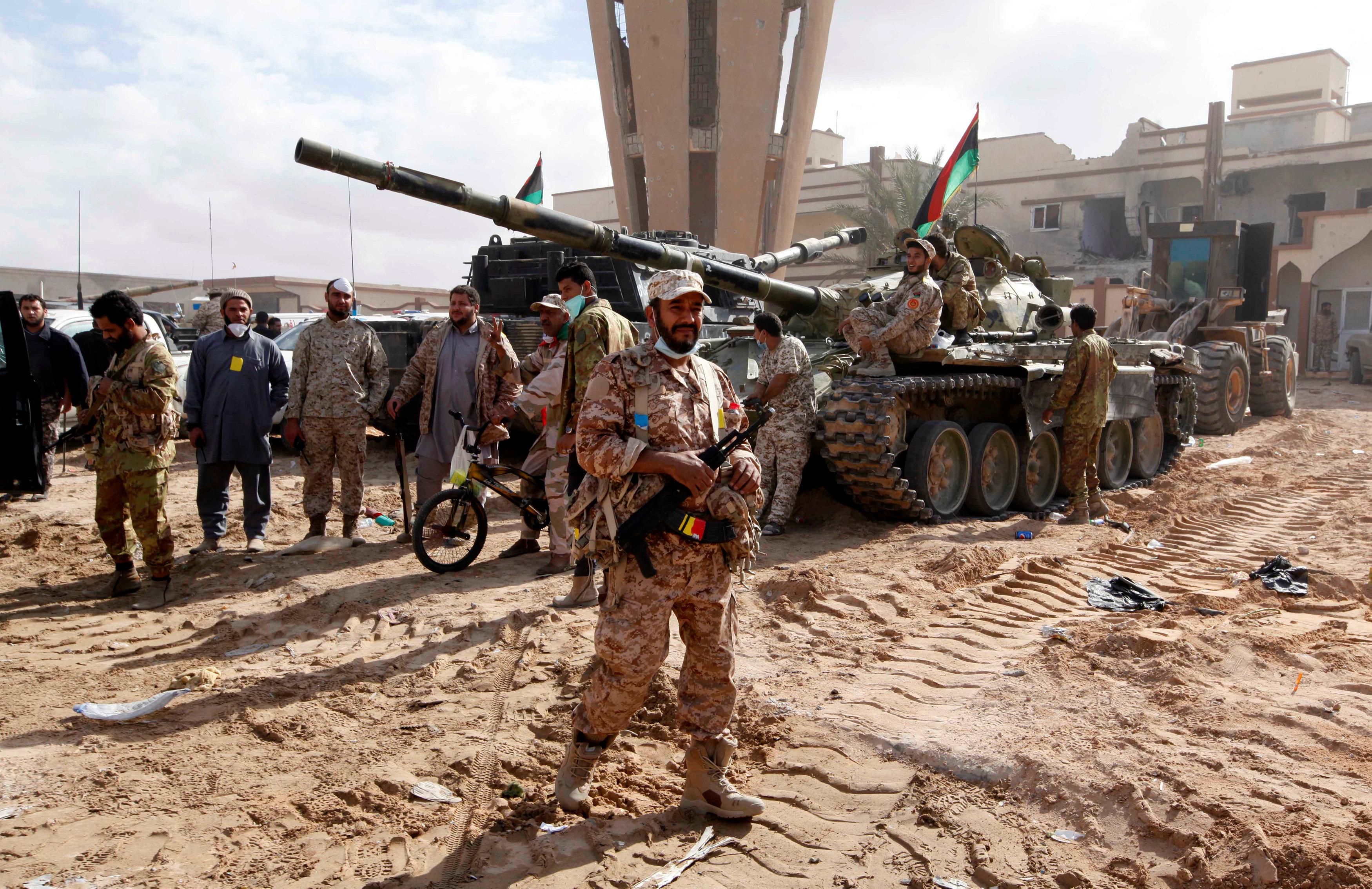 "Photo of ""عمليات سرت"" تُحرّر ""دروعا بشرية"" بـ""الجيزة البحرية"".. وتتقدم"