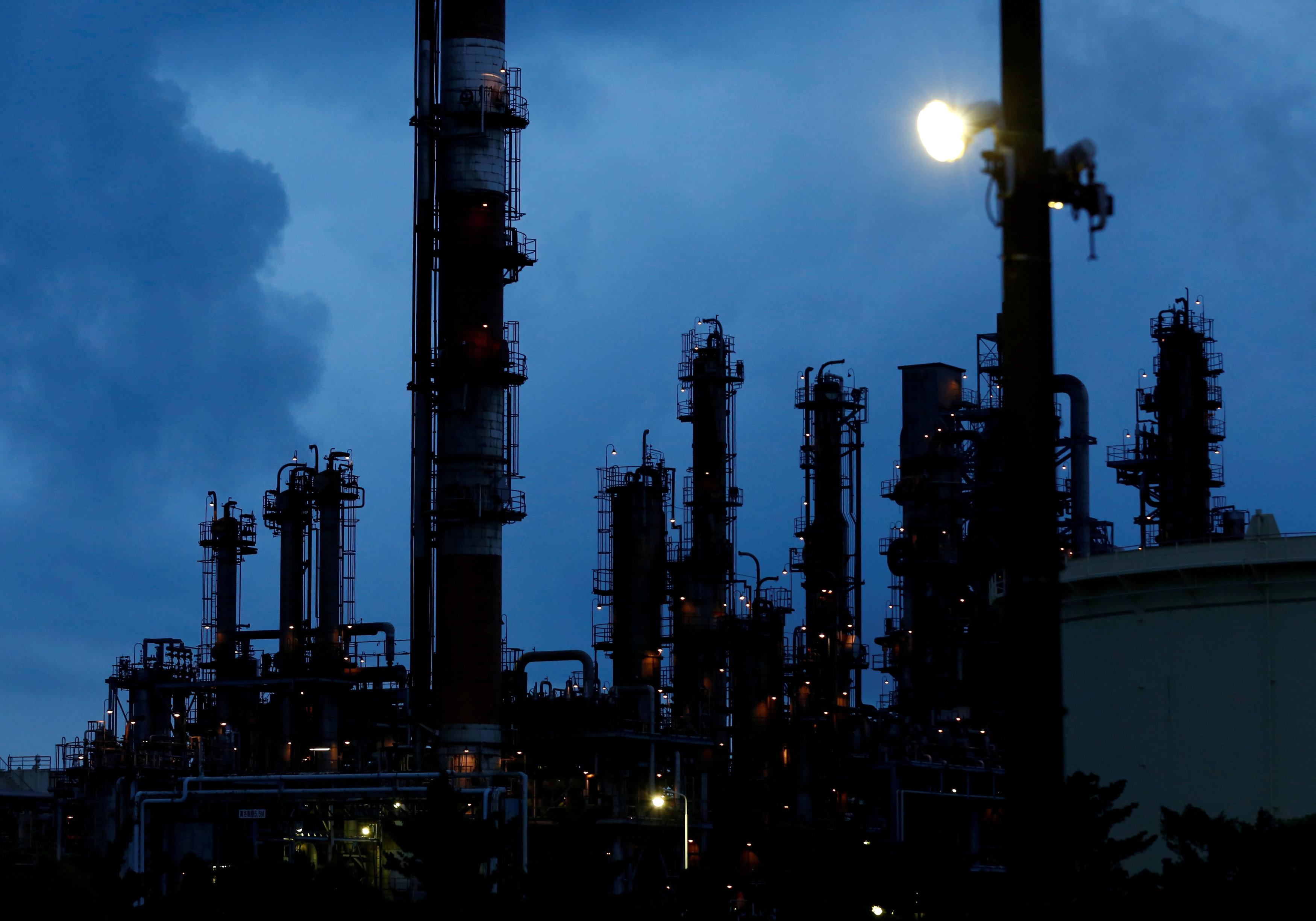 """شركة """"إيني"""" الإيطالية للنفط والغاز"""