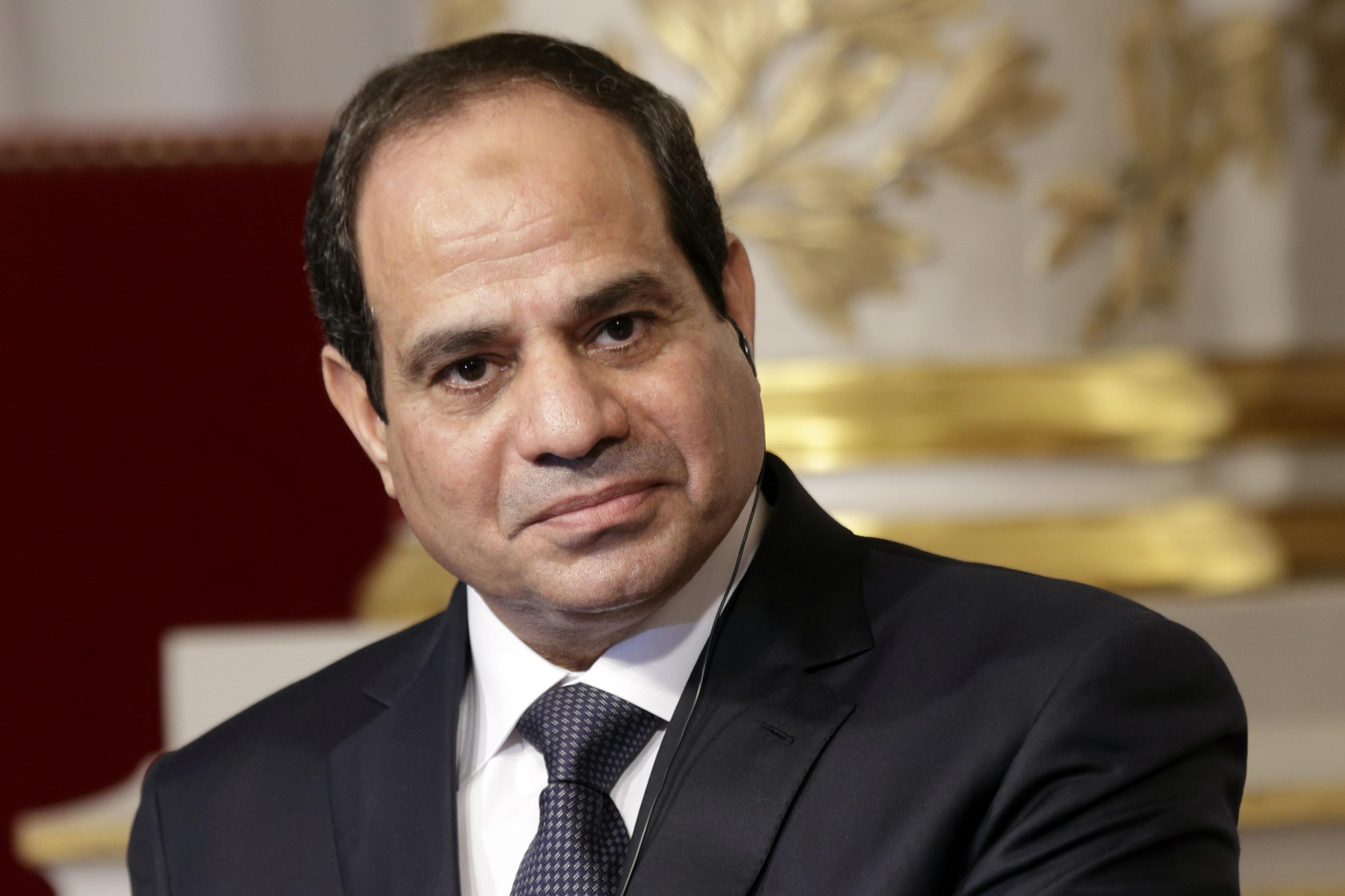 """صورة الرئيس المصري يكشف عن """"تفاصيل جديدة"""" بشأن هجوم الكنيسة"""