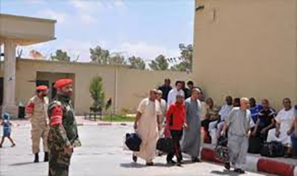 """صورة اعتصام يؤجل الإفراج عن سجناء بمصراتة لـ""""موعد مجهول"""""""