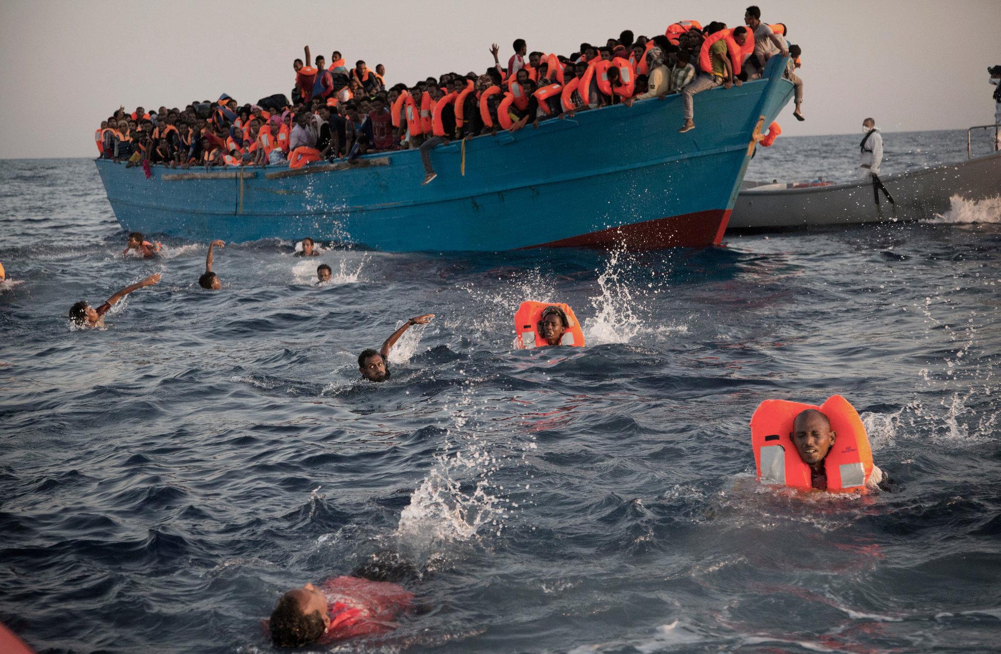 "Photo of برلمانية إيطالية تتوقع قدوم ""ربع مليون"" مهاجر من ليبيا"