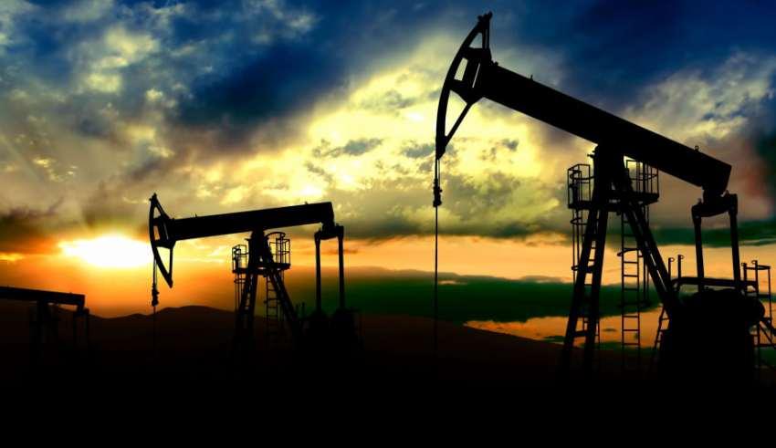 نتيجة بحث الصور عن النفط يصعد مدعومًا بانخفاض المخزونات وتوترات بالشرق الأوسط