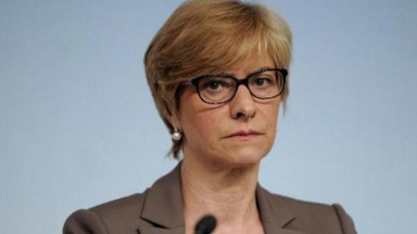 وزيرة الدفاع الإيطالية روبرتا بينوتي