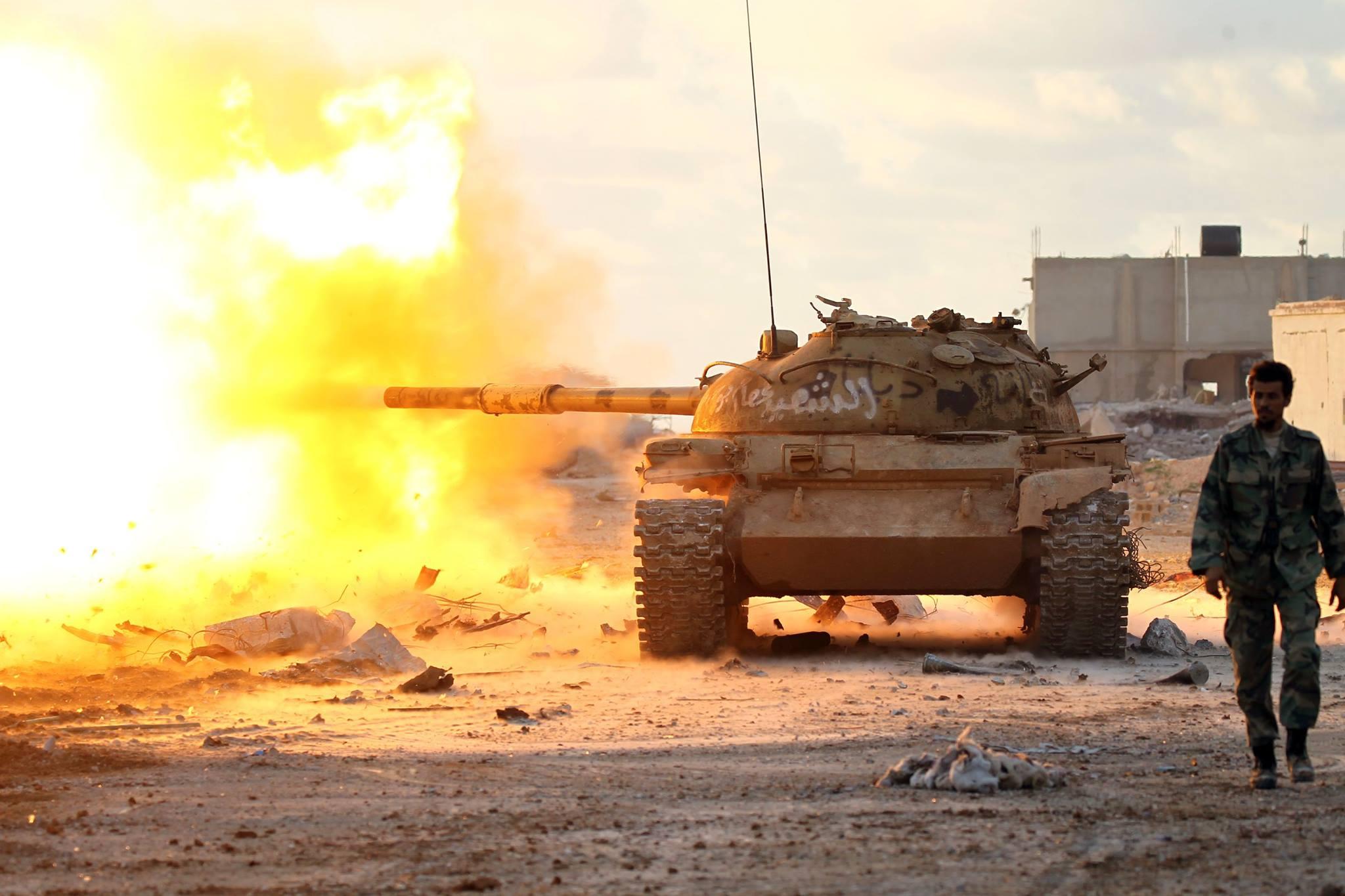 دبابة ... تصوير : عبدالله دومة