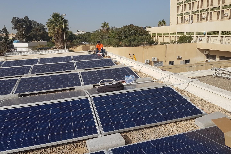 نظام طاقة شمسية
