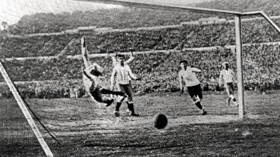 كأس العالم الأول في أوروجواي عام 1930