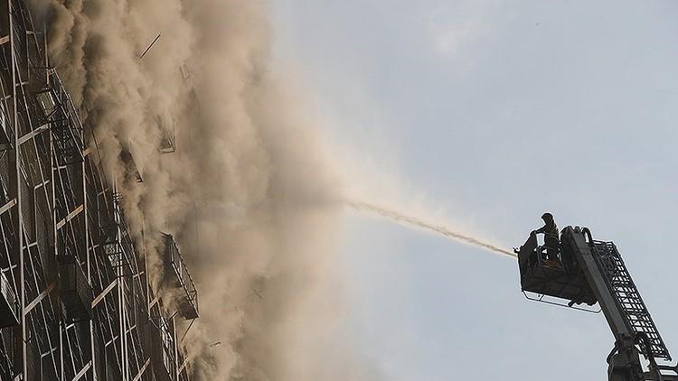 حريق بمبنى سكني في طهران