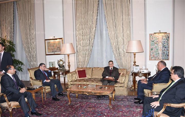 """Photo of شكري والجمالي: حل الأزمة الليبية دون """"تدخل أجنبي"""""""