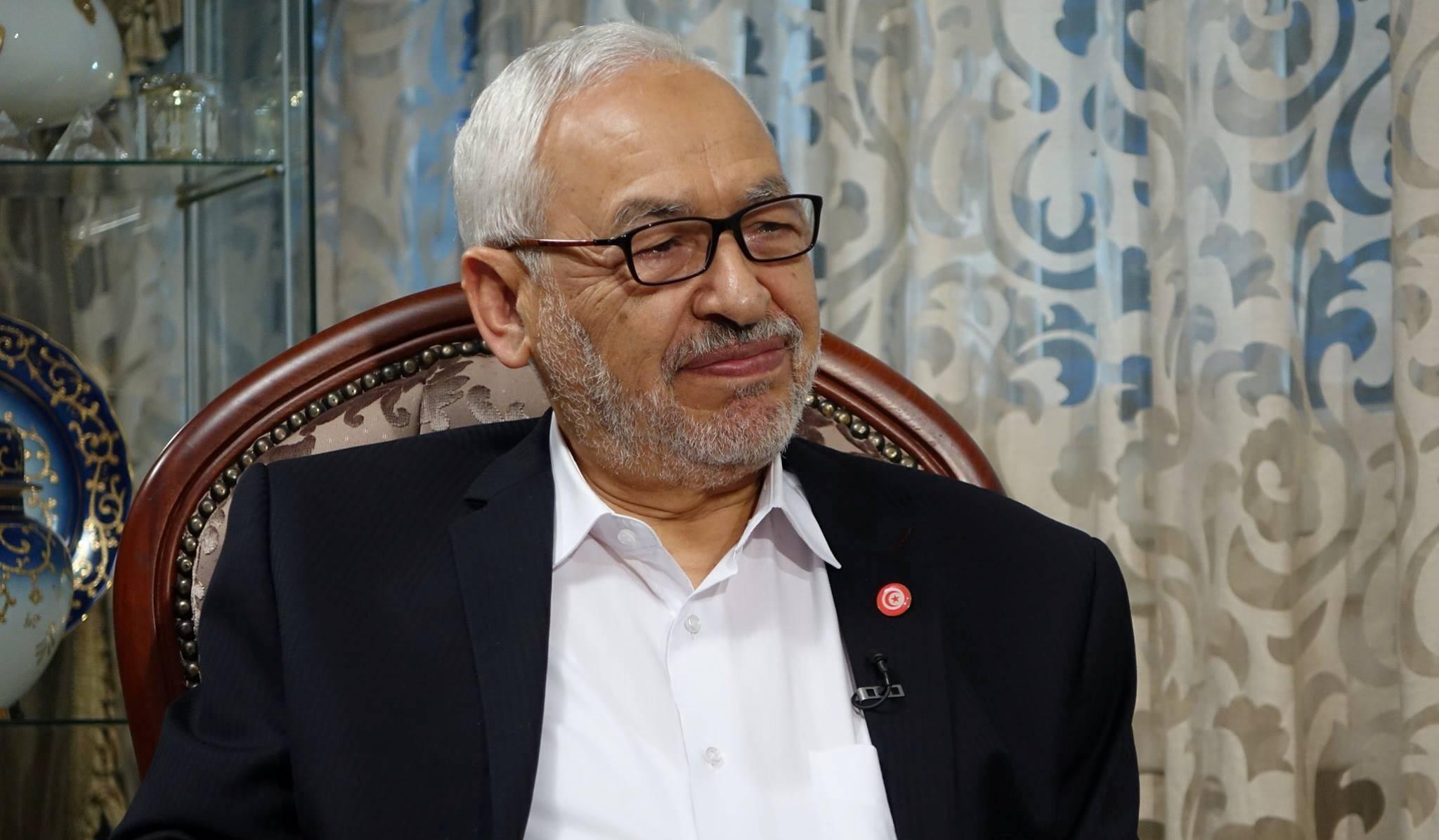 Photo of الغنوشي يفتح عباءة النهضة للشاهد