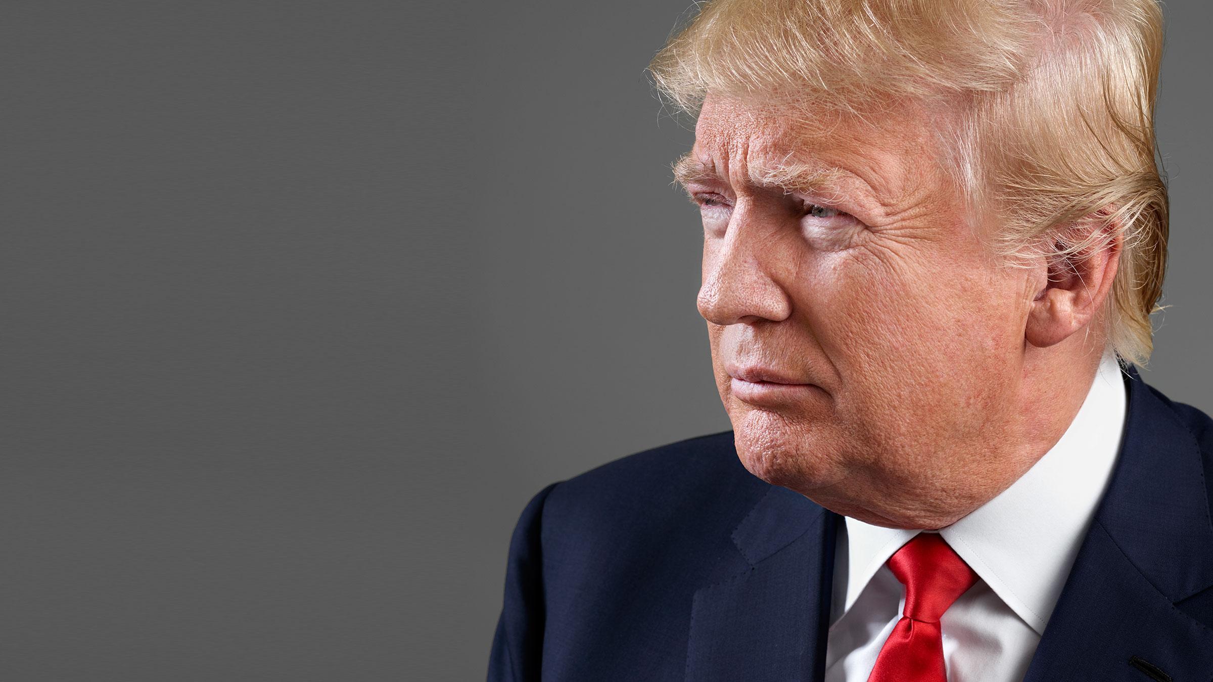 """صورة لماذا استخدم حارس ترامب """"يدين اصطناعيتين""""؟.. شاهد"""