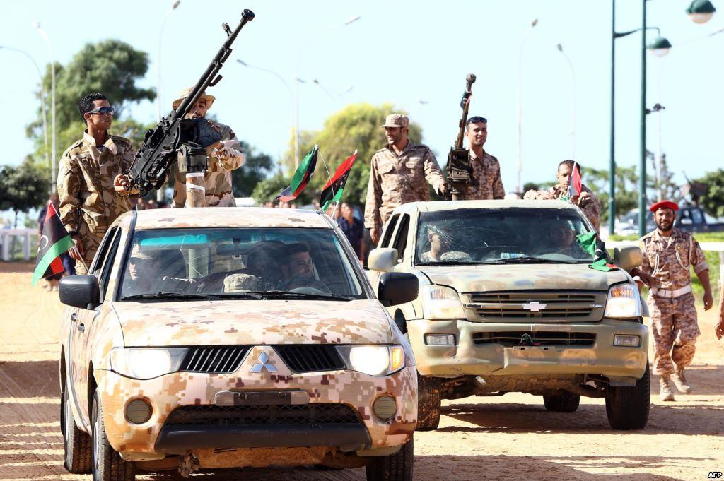 """صورة مستشار """"انتخابي"""" لترامب: الجيش الوطني """"أظهر قدرات"""" ضد داعش"""
