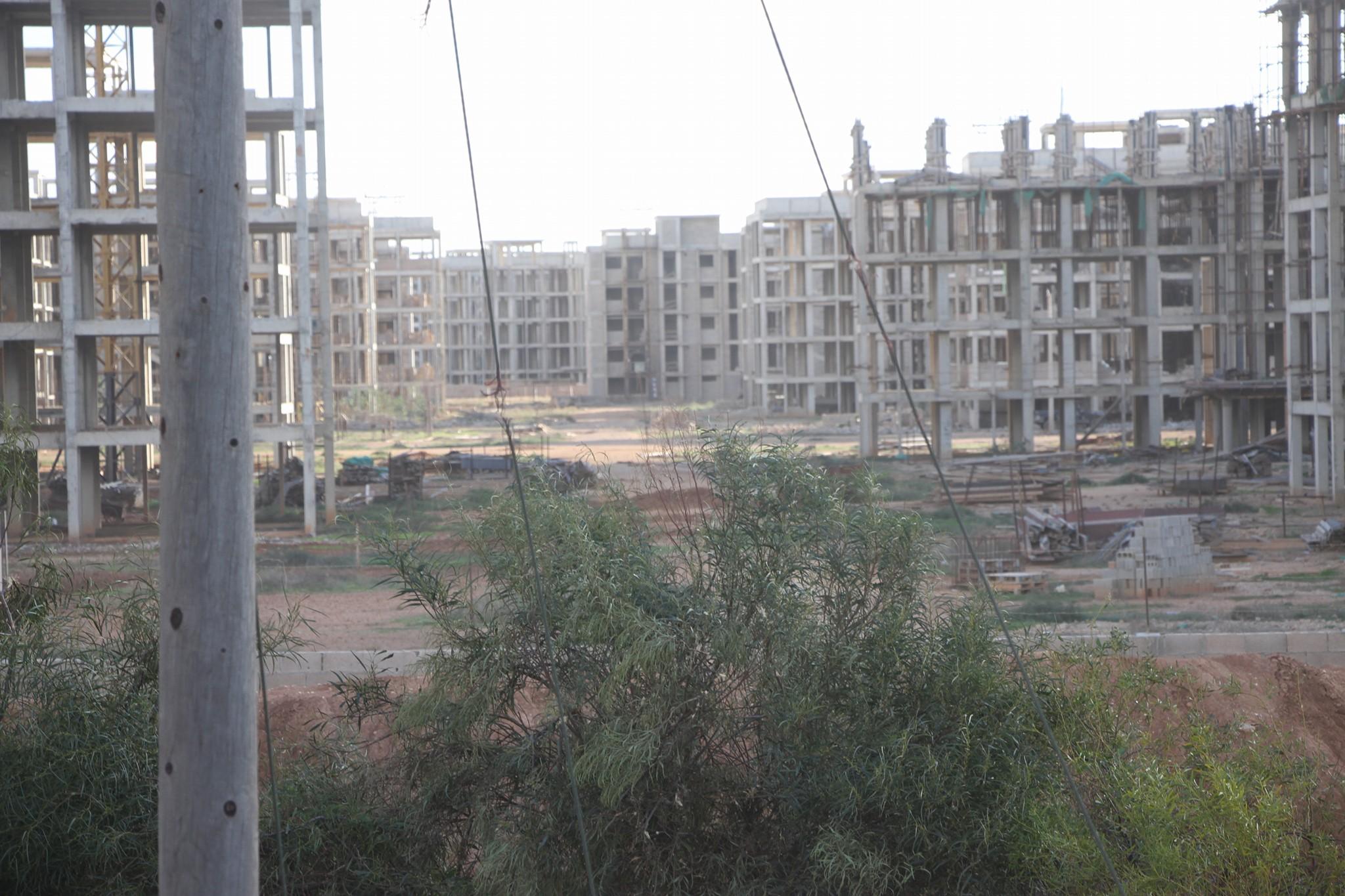 "Photo of بنغازي.. معارك عنيفة في ""العمارات 12"".. وسلاح الجو يُشارك"