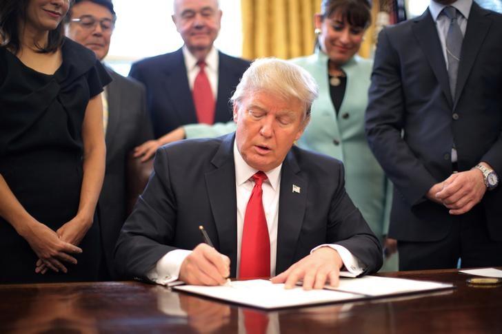 Photo of فريق ترامب في البيت الأبيض.. الأعلى ثراءً. اقرأ