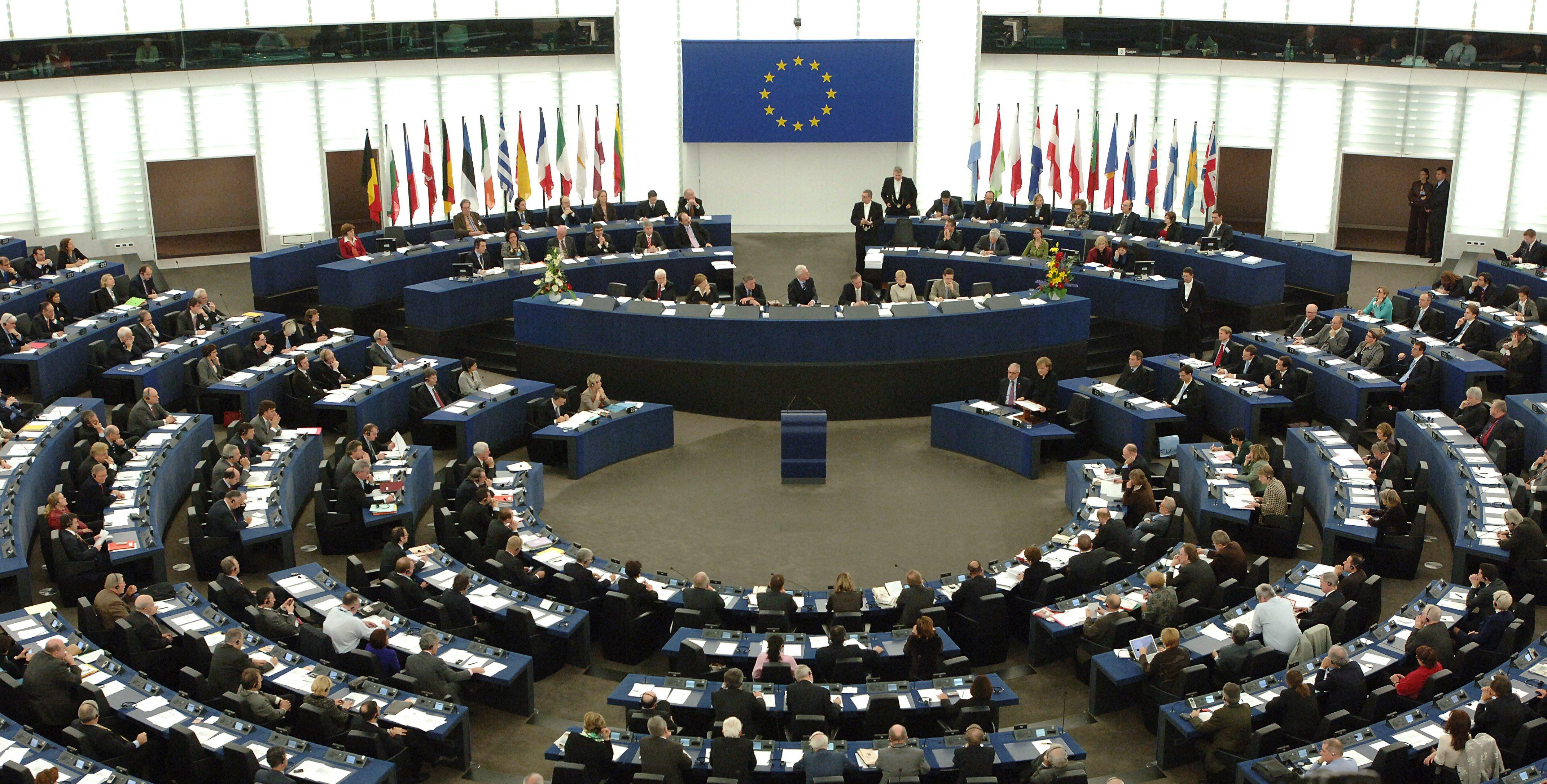 Photo of الاتحاد الأوروبي يدعم النازحين والمُهجّرين في ليبيا
