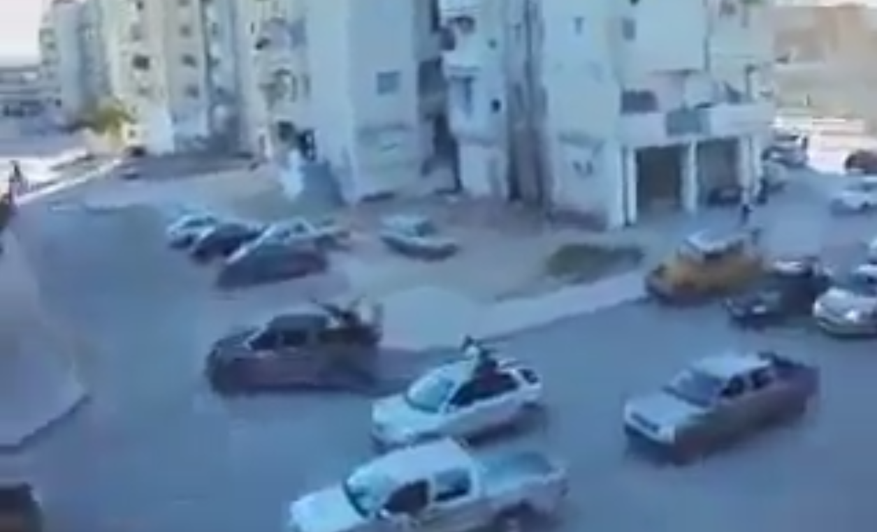 "Photo of اشتباكات أبو سليم تتجدد.. وقصف عشوائي حرق"" المتوكل الجديد"""