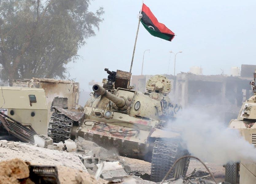 """Photo of مصادر لـ218: الجيش يضيق الخناق على الإرهابيين في عمارات """"12"""""""