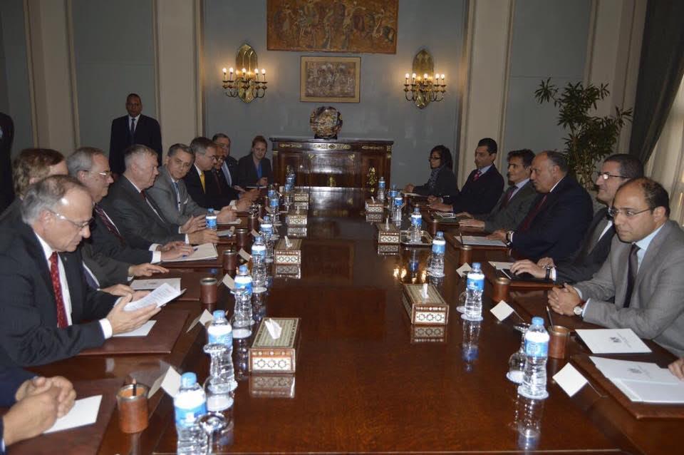 """صورة """"الملف الليبي"""" على طاولة شكري ووفد أميركي"""