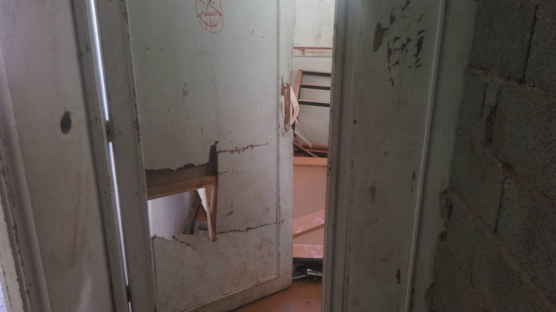 إهمال كبير في مدرسة بمخيم لنازحي تاورغاء في ترهونة