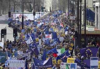 البريطانيون إلى شوارع لندن قبل بدء تفعيل بريكست