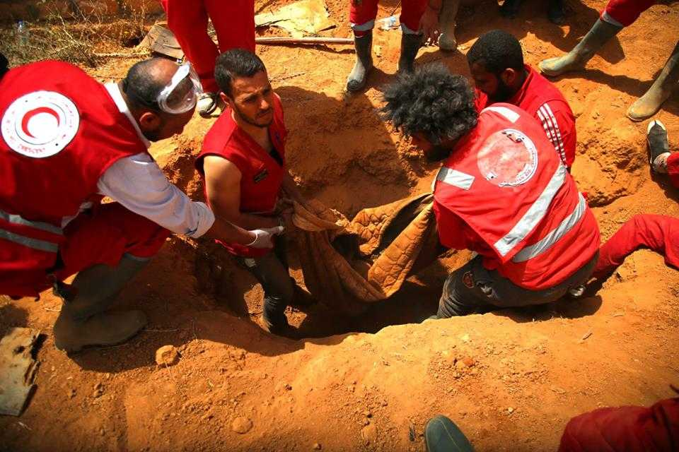 "Photo of الهلال الأحمر يبحث عن ""المقابر"".. ولا وجود لاشكال ودومة"