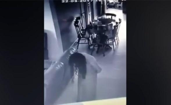 حركات غريبة لخادمة تثير الهلع بسنغافورة