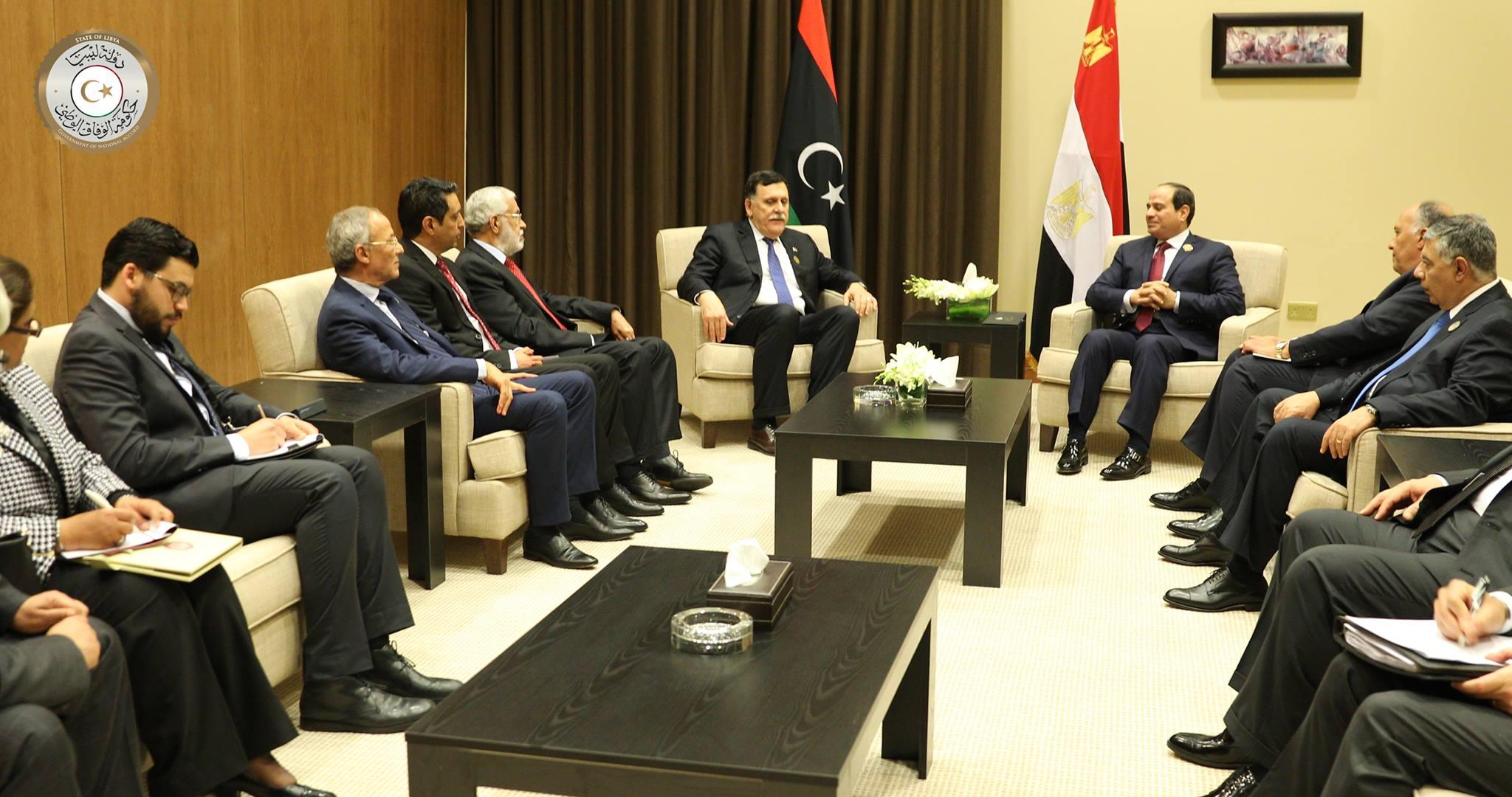 """Photo of السيسي للسراج: المصلحة الليبية """"فوق كل اعتبار"""""""