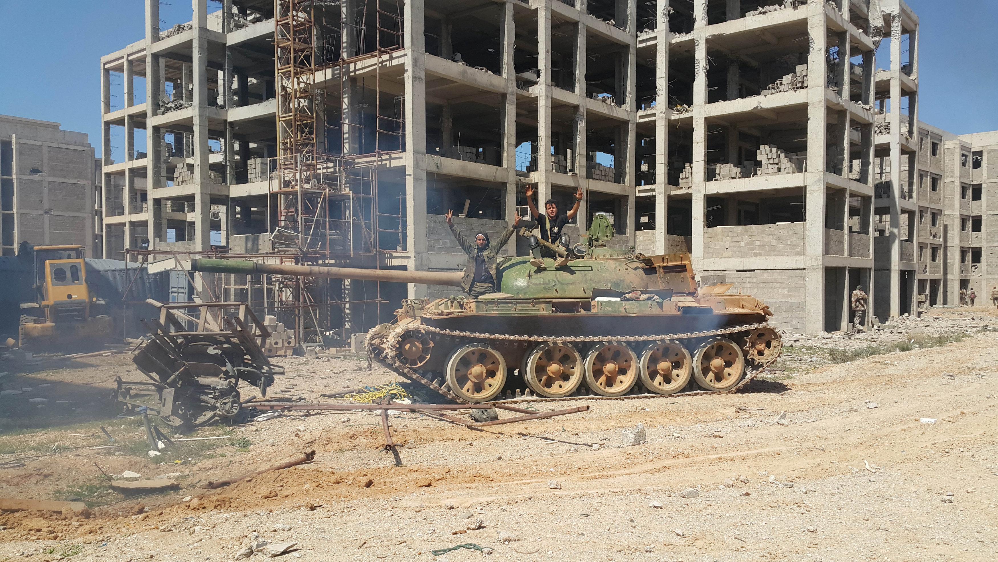 """صورة """"التحالف"""" يطالب الجيش الوطني بمحاسبة """"الممثلين بالجثث"""""""