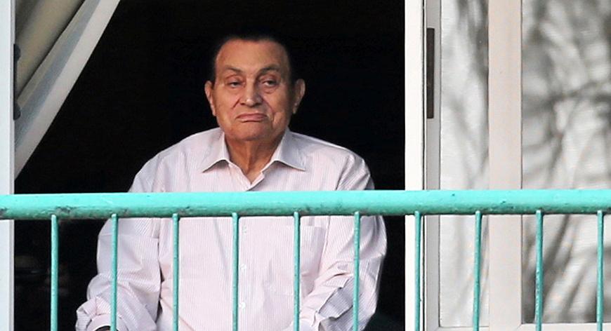 "Photo of مبارك يُنهي ""ست سنوات"" من ""المحاكم والسجون"""