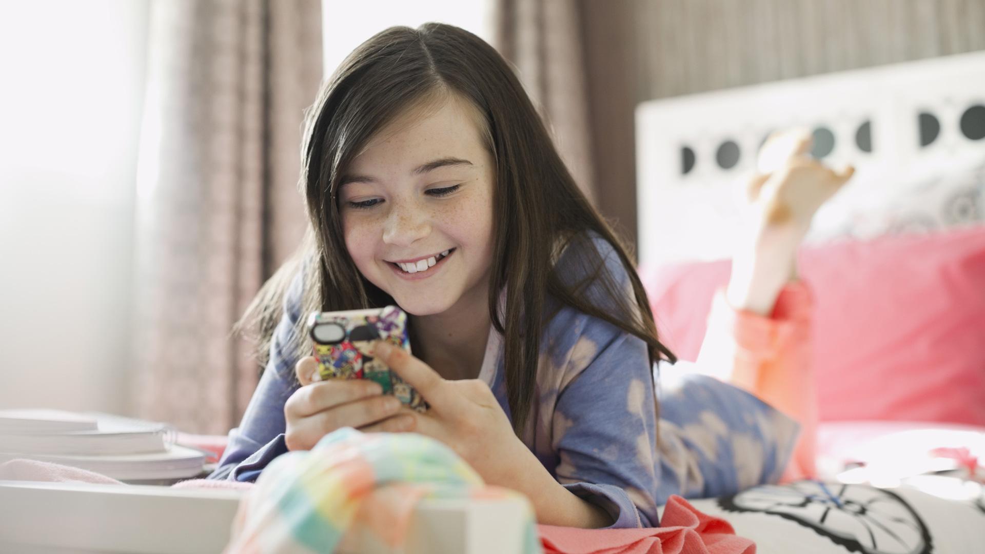 ادمان الاطفال على الهواتف
