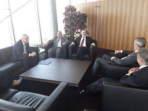 "Photo of محادثات نفطية ""مهمة"" في فيينا.. ومعدات طبية لبنغازي"