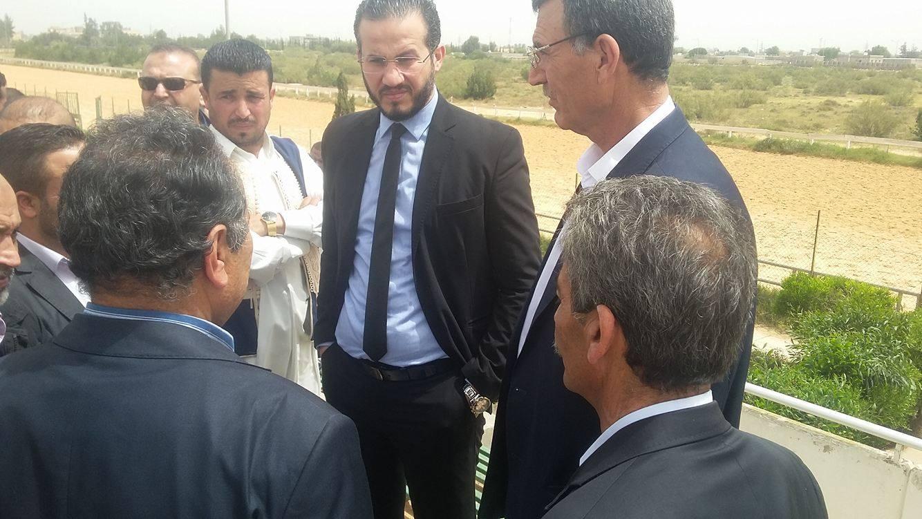 Photo of زياد قريرة يتفقد المرافق الرياضية في ورشفانة