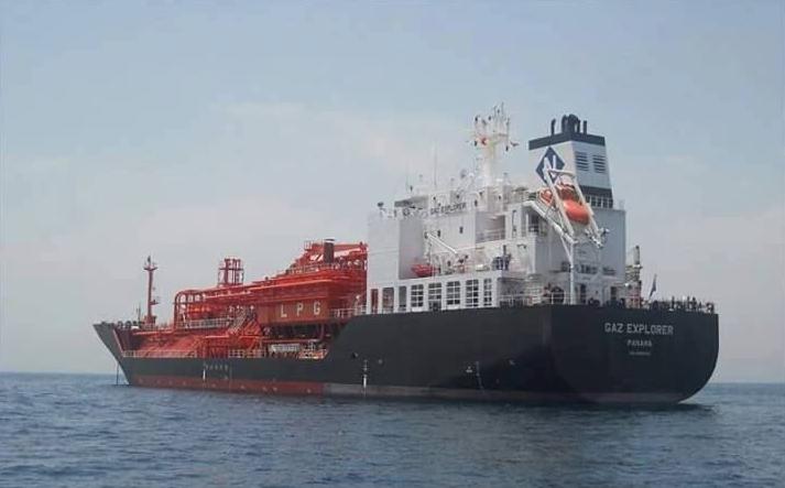 """Photo of """"4 ناقلات"""" ترسو في ميناء طبرق لتفريغ مواد نفطية"""