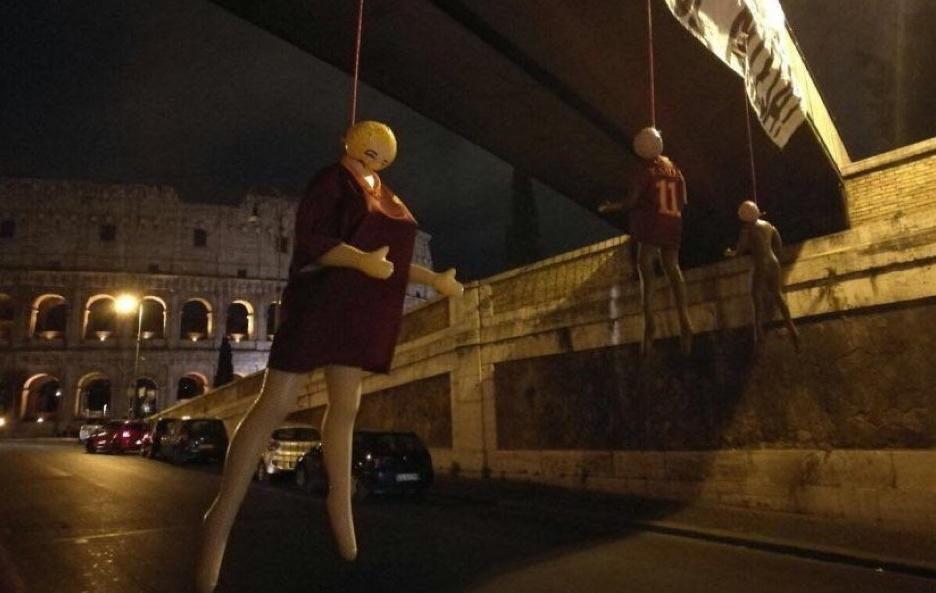 الدمى المشنوقة روما