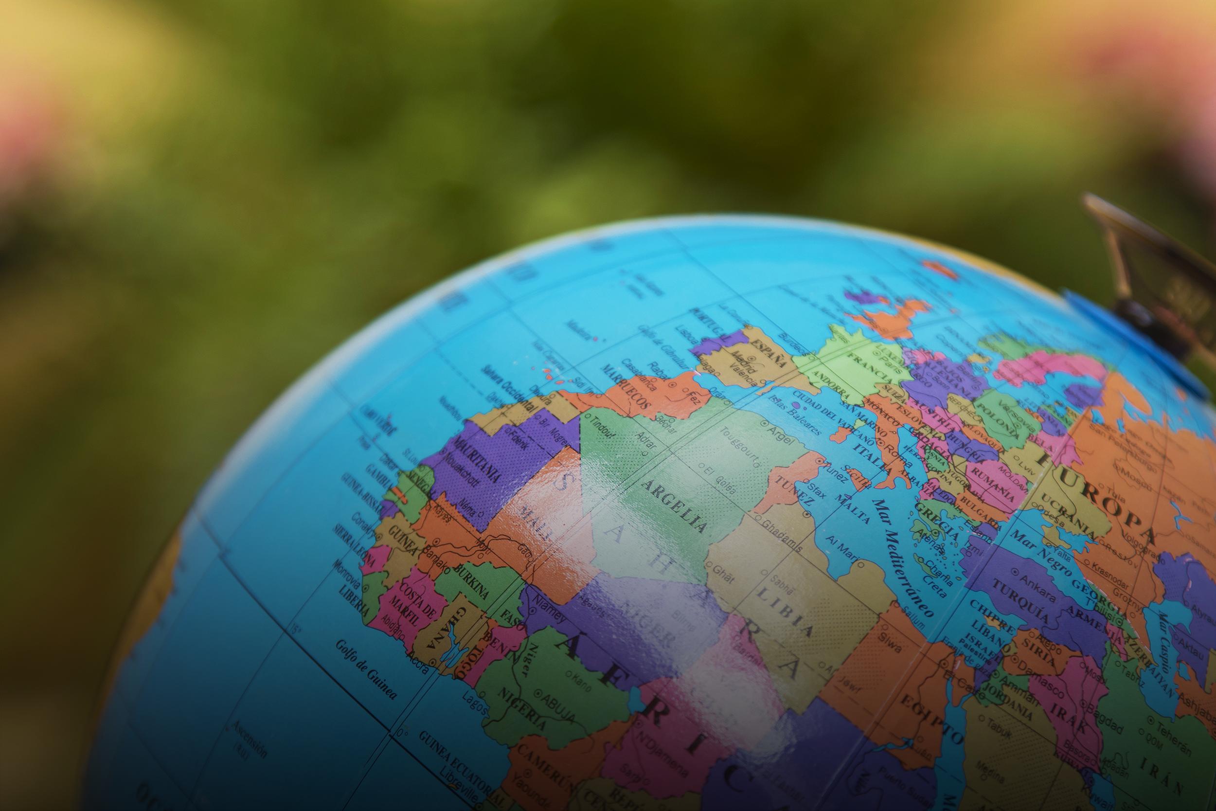خريطة العالم - الكرة الأرضية