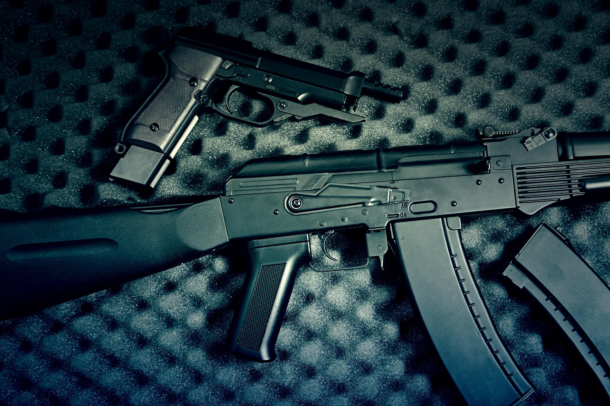 """صورة الـ""""Social media"""" الليبي سوق لبيع وتهريب الأسلحة"""