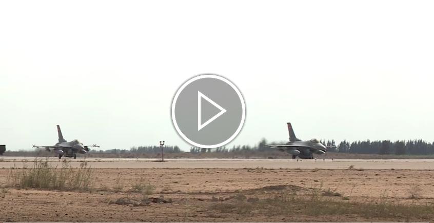 صورة مقاتلات مصرية تُدمّر 15 سيارة محملة بأسلحة قادمة من ليبيا