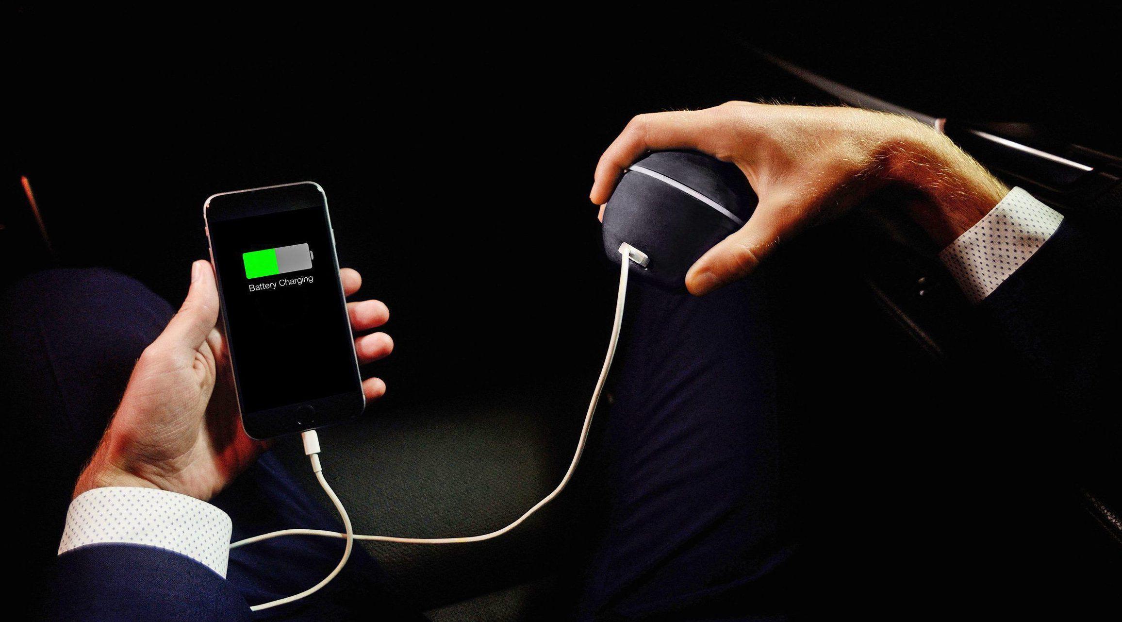 صورة بالشاي والنار والمشي.. 10 وسائل إبداعية لتشحن هاتفك