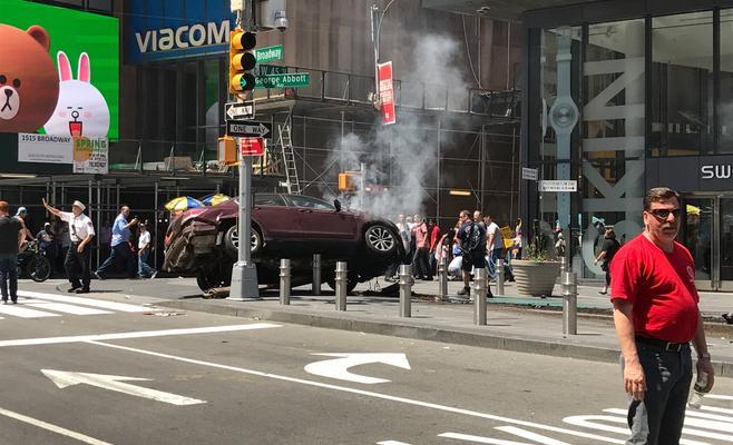 Photo of مقتل شخص وإصابة آخرين بدهس سياة لمارة في نيويورك