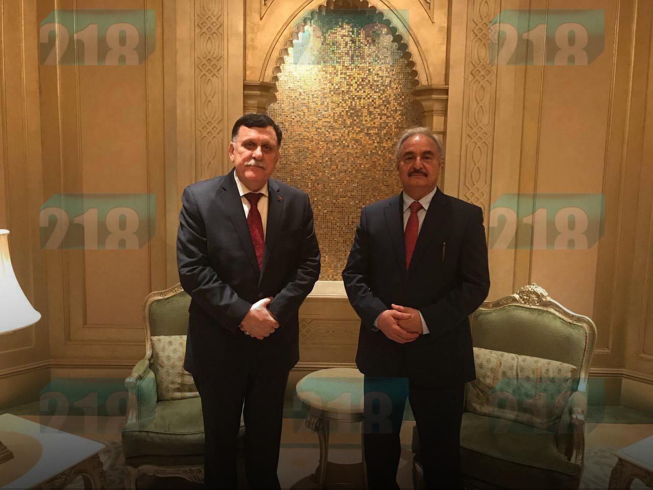 """Photo of توافق بين السراج وحفتر على """"نقاط خلافية"""".. و""""المادة الثامنة"""""""