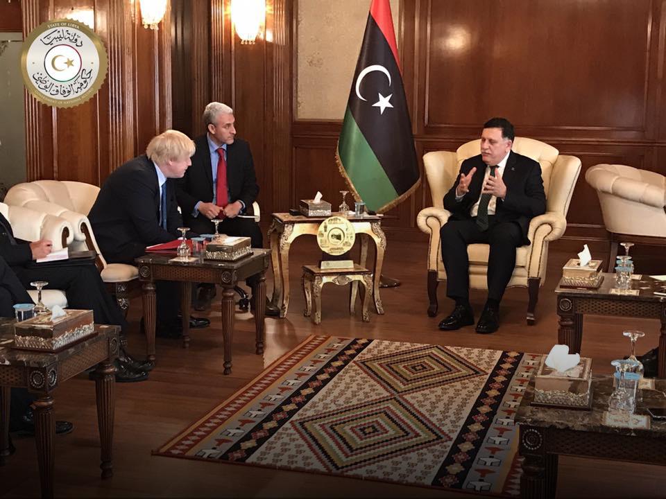 """Photo of جونسون في طرابلس.. """"ثقل بريطاني"""" لحل الأزمة الليبية"""